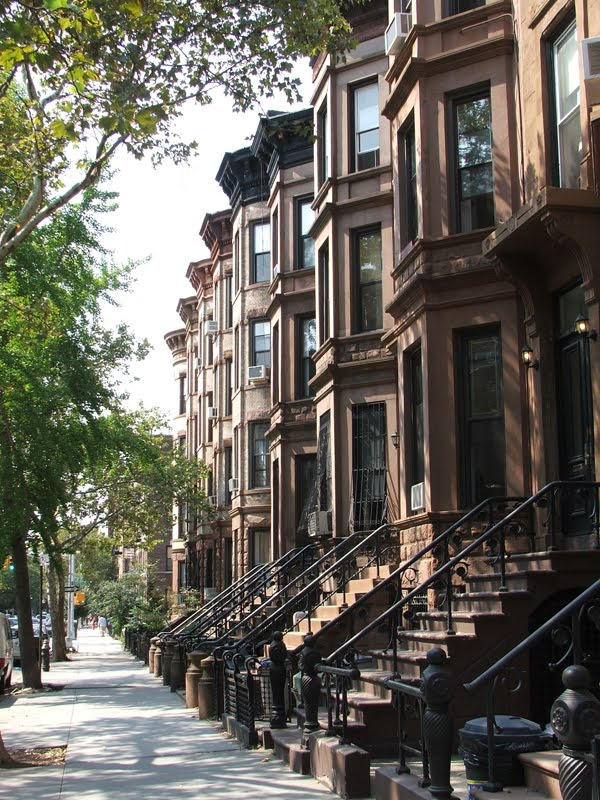 Langston hughes brownstones new york curvyecocentric for Apartments upper west side